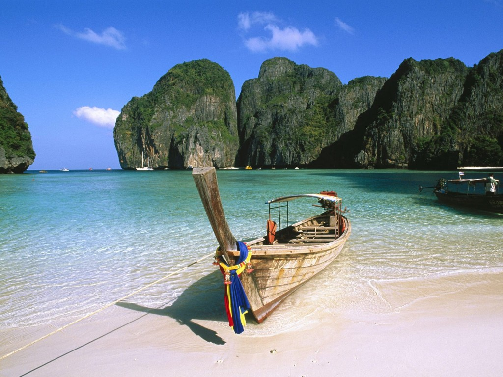 May-Bay-Phi-Phi-Island-Thailand